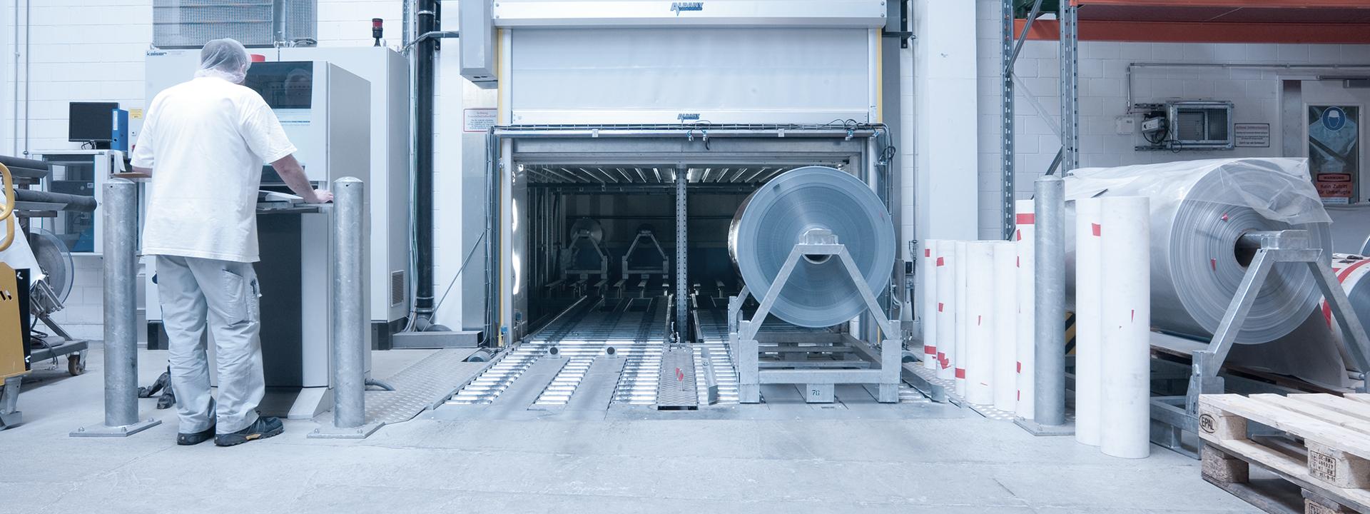 Ansicht der Produktion bei Ampac nach Betriebs- und Bauplanung des Neubaus durch IE Packaging