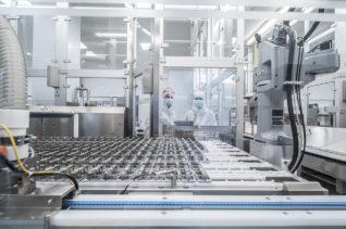 Produktion bei Schott Projekt Plast Schott Standorterweiterung