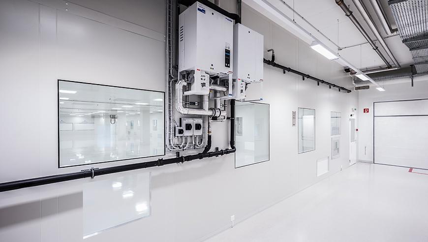 Energieeffizienter Reinraum für Medizintechnik auf engstem Raum.