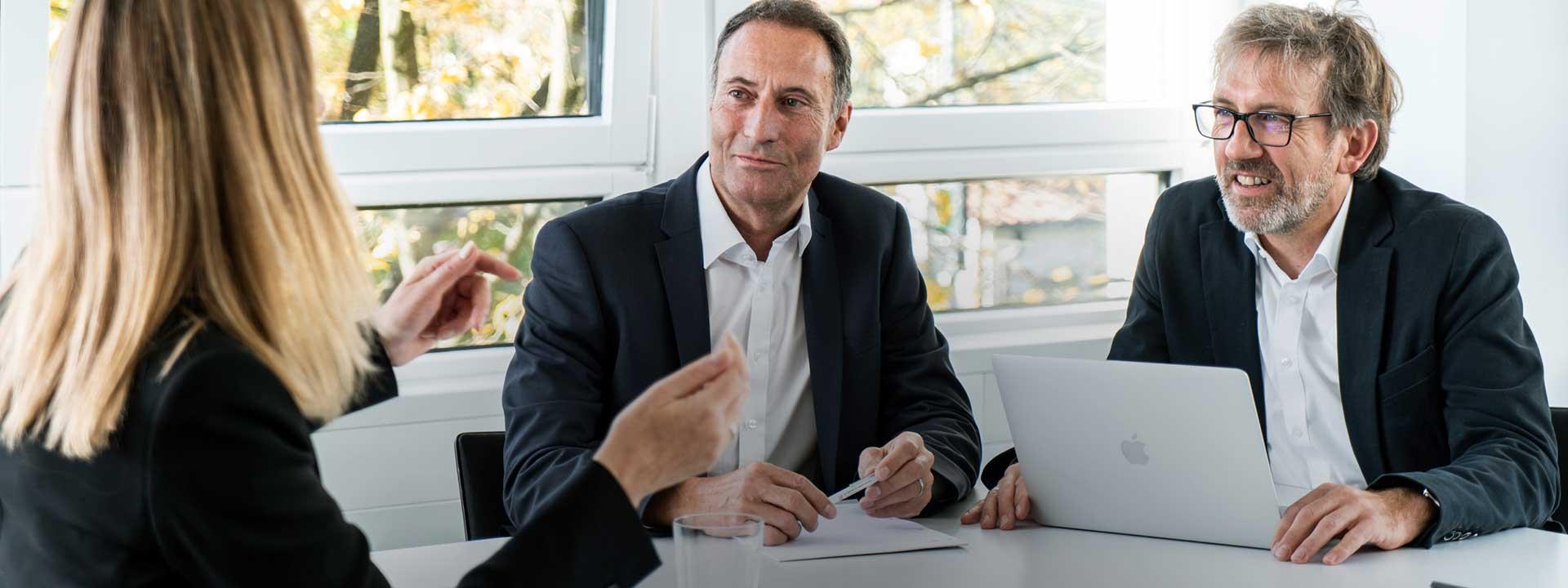 Karriere bei der IE-Group - Bewerbe und Mitglieder der  Familie werden