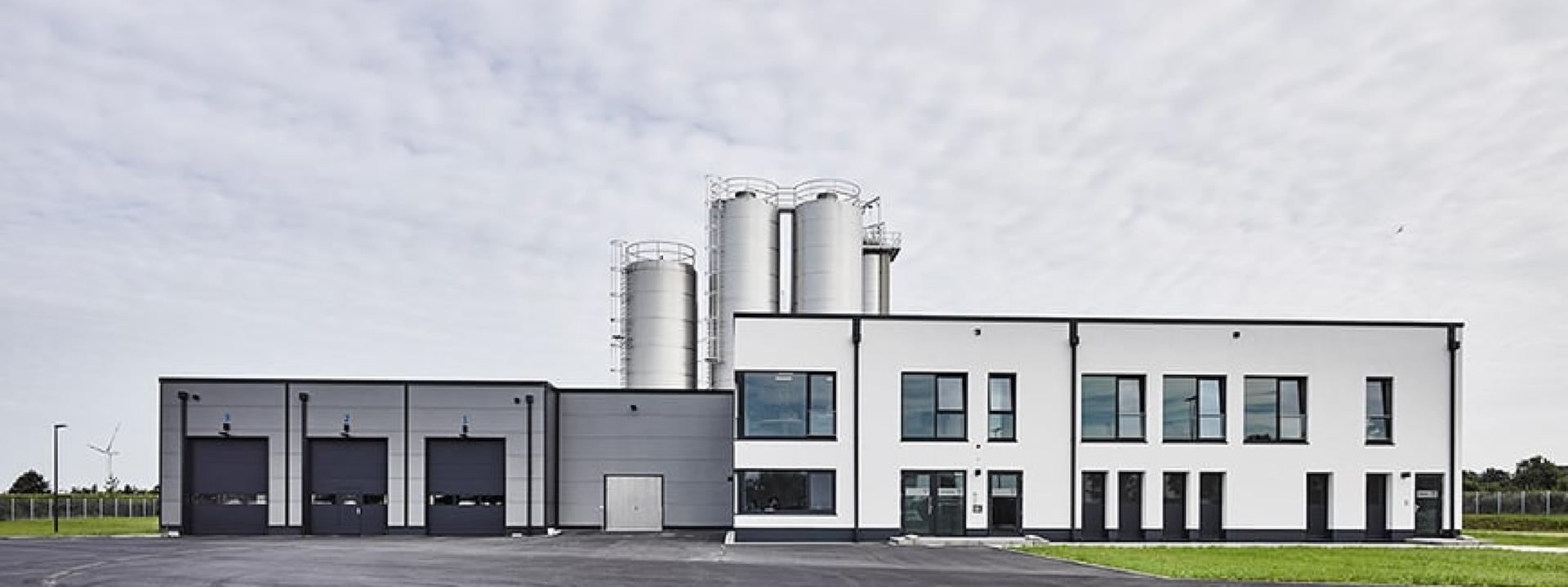 Außenansicht des Neubaus für Viöl durch IE Group